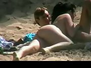 Bum naked girlfriend sucking her beau's fat shaft at the beach